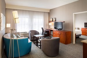Suite - Courtyard by Marriott Hotel Downtown Providence