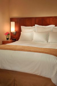Room - Courtyard by Marriott Hotel River North Chicago