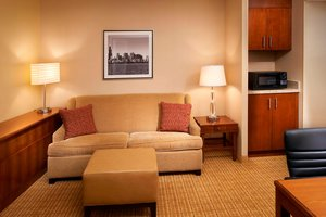 Suite - Courtyard by Marriott Hotel River North Chicago