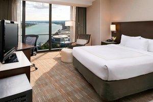 Room - Marriott Hotel at Renaissance Center Detroit