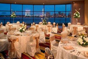 Lobby - Marriott Hotel at Renaissance Center Detroit