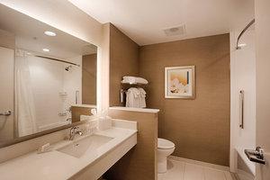- Fairfield Inn & Suites by Marriott Clearwater Beach