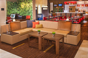 Lobby - Courtyard by Marriott Hotel Secaucus