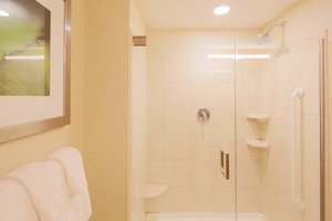 - Courtyard by Marriott Hotel Waltham
