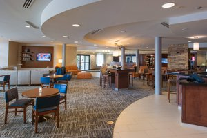 Lobby - Courtyard by Marriott Hotel North Canton