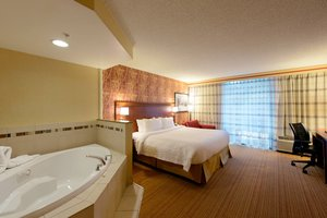 Room - Courtyard by Marriott Hotel North Canton