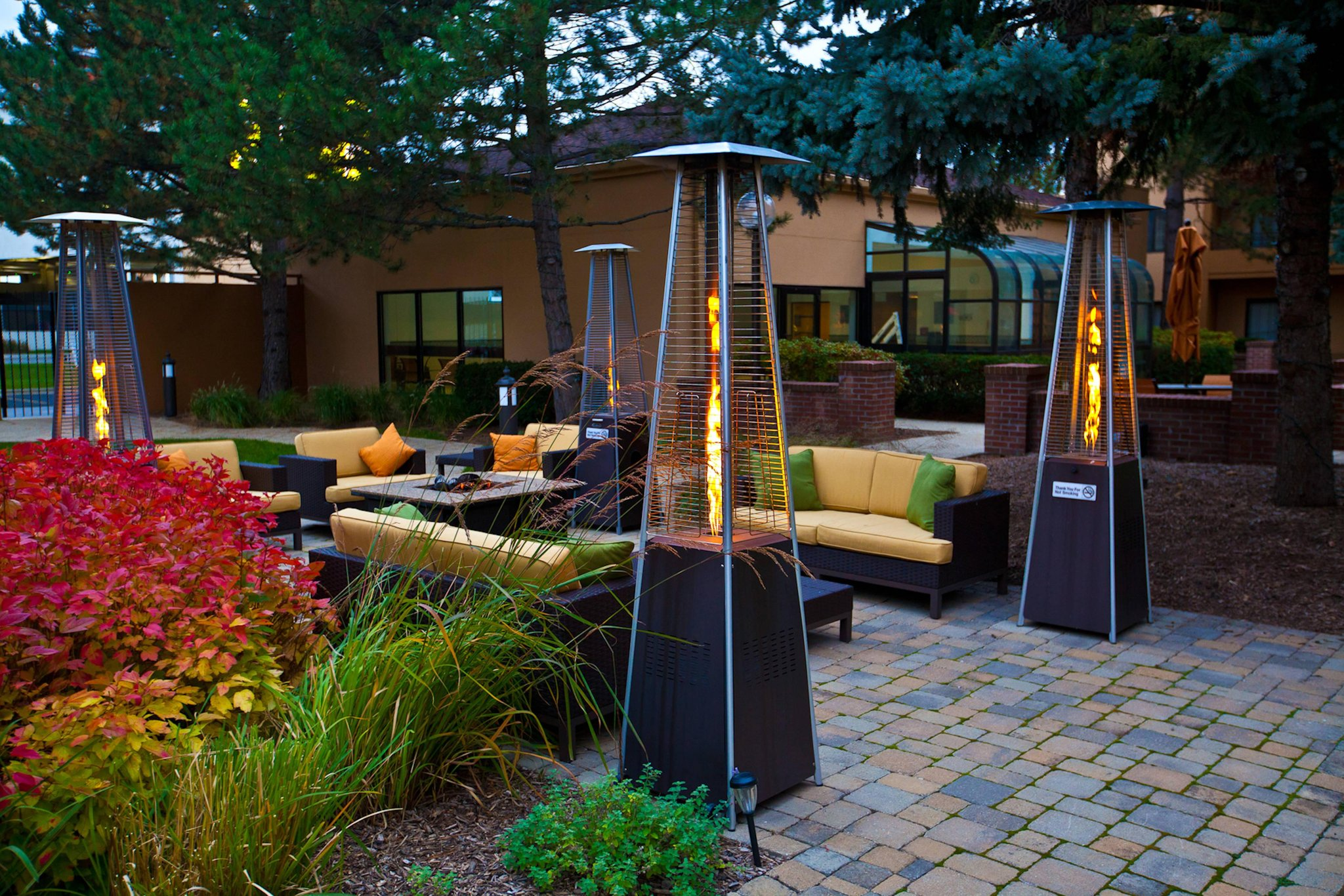 Courtyard by Marriott Chicago OHare