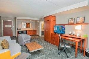 Suite - Courtyard by Marriott Hotel West Chester