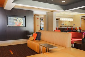 Lobby - Courtyard by Marriott Hotel Flint