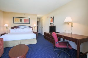 Room - Courtyard by Marriott Hotel Flint