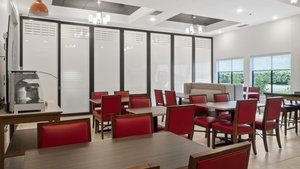 Restaurant - Holiday Inn Express Hotel & Suites Newton