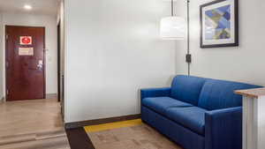 - Holiday Inn Express Hotel & Suites Newton