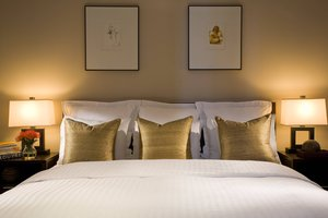 Suite - Renaissance Hotel 57 by Marriott New York
