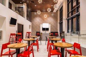 Restaurant - Residence Inn by Marriott University Place Oakland