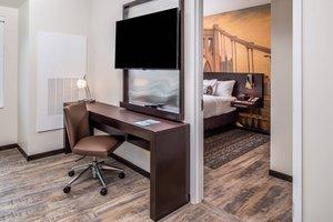 Suite - Residence Inn by Marriott University Place Oakland