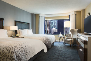 Room - Renaissance by Marriott Downtown Chicago