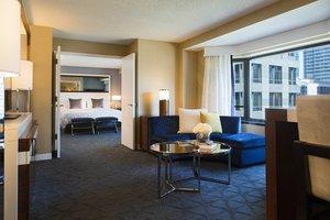Suite - Renaissance by Marriott Downtown Chicago