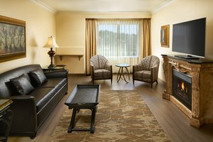Suite - Davenport Tower Hotel Spokane