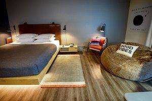 Room - Moxy Hotel by Marriott Tempe