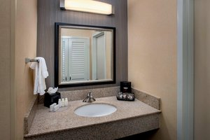 - Courtyard by Marriott Hotel Andover