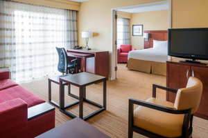 Suite - Courtyard by Marriott Hotel Bettendorf