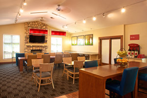 Restaurant - TownePlace Suites by Marriott Mukilteo