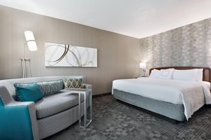 Room - Courtyard by Marriott Hotel Beavercreek