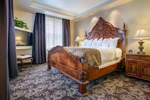 Suite - Historic Davenport Hotel Spokane