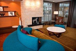 Lobby - Fairfield Inn & Suites by Marriott Cincinnati