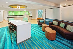 Lobby - SpringHill Suites by Marriott Louisville