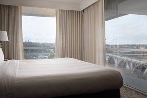 Room - Marriott Key Bridge Hotel Arlington