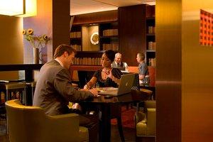 Restaurant - Marriott Key Bridge Hotel Arlington