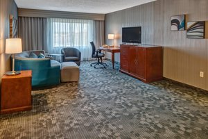 Suite - Courtyard by Marriott Hotel Springfield