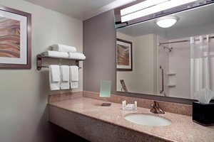 - Courtyard by Marriott Hotel Cumberland Center Atlanta
