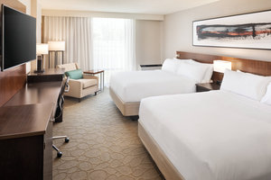 Room - Delta Hotel by Marriott Northeast Minneapolis