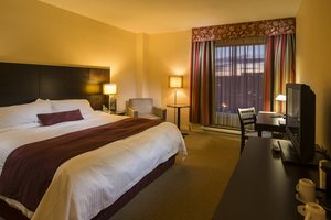 Room - Delta Hotel by Marriott Sherbrooke Conference Centre