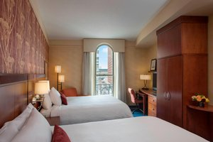 Suite - Courtyard by Marriott Copley Square Hotel Boston
