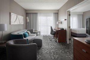 Suite - Courtyard by Marriott Hotel Milford