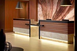 Lobby - Marriott Hotel Quincy