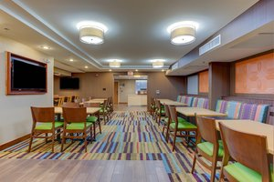 Restaurant - Fairfield Inn by Marriott Williston
