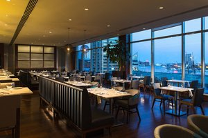 Restaurant - Renaissance by Marriott Harborplace Hotel Baltimore