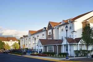 Exterior view - TownePlace Suites by Marriott West Dundee