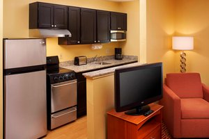 Suite - TownePlace Suites by Marriott West Dundee