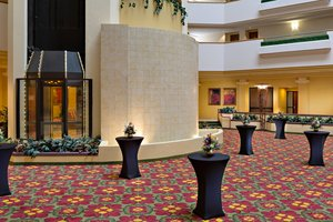 Lobby - Marriott Hotel Cedar Rapids