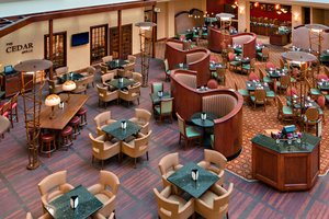 Restaurant - Marriott Hotel Cedar Rapids