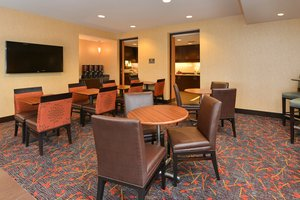 Restaurant - Residence Inn by Marriott Coralville