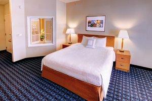 Suite - Fairfield Inn & Suites by Marriott Weston