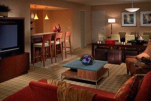 Suite - Marriott Hotel Downtown Des Moines