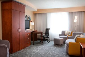Suite - Courtyard by Marriott Hotel Ankeny