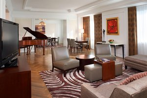 Suite - Henry Hotel Dearborn
